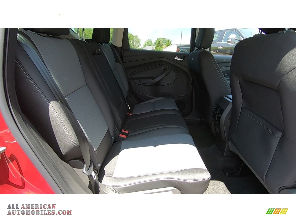 2019 Escape SE 4WD - Ruby Red / Chromite Gray/Charcoal Black photo #23