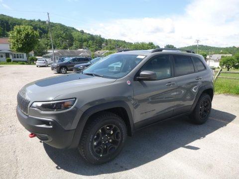 Sting-Gray 2019 Jeep Cherokee Trailhawk 4x4