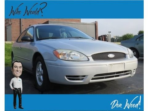 Silver Frost Metallic 2005 Ford Taurus SE