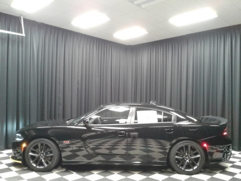 Pitch Black 2019 Dodge Charger R/T Scat Pack