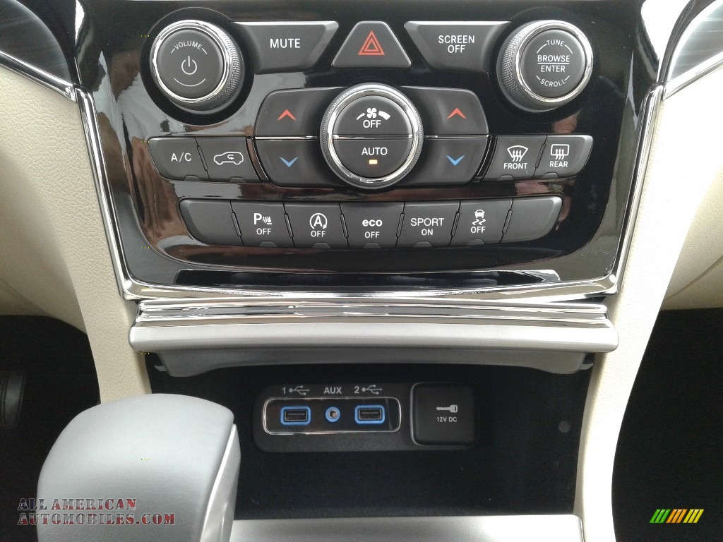 2019 Grand Cherokee Limited - Bright White / Light Frost Beige/Black photo #28