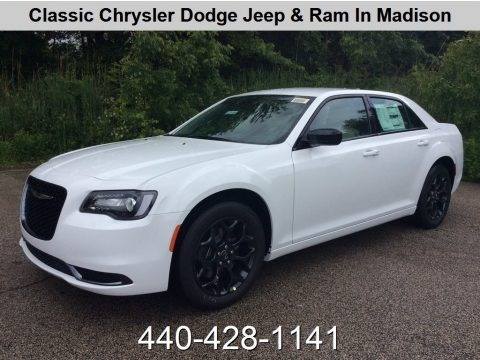 Bright White 2019 Chrysler 300 Touring AWD