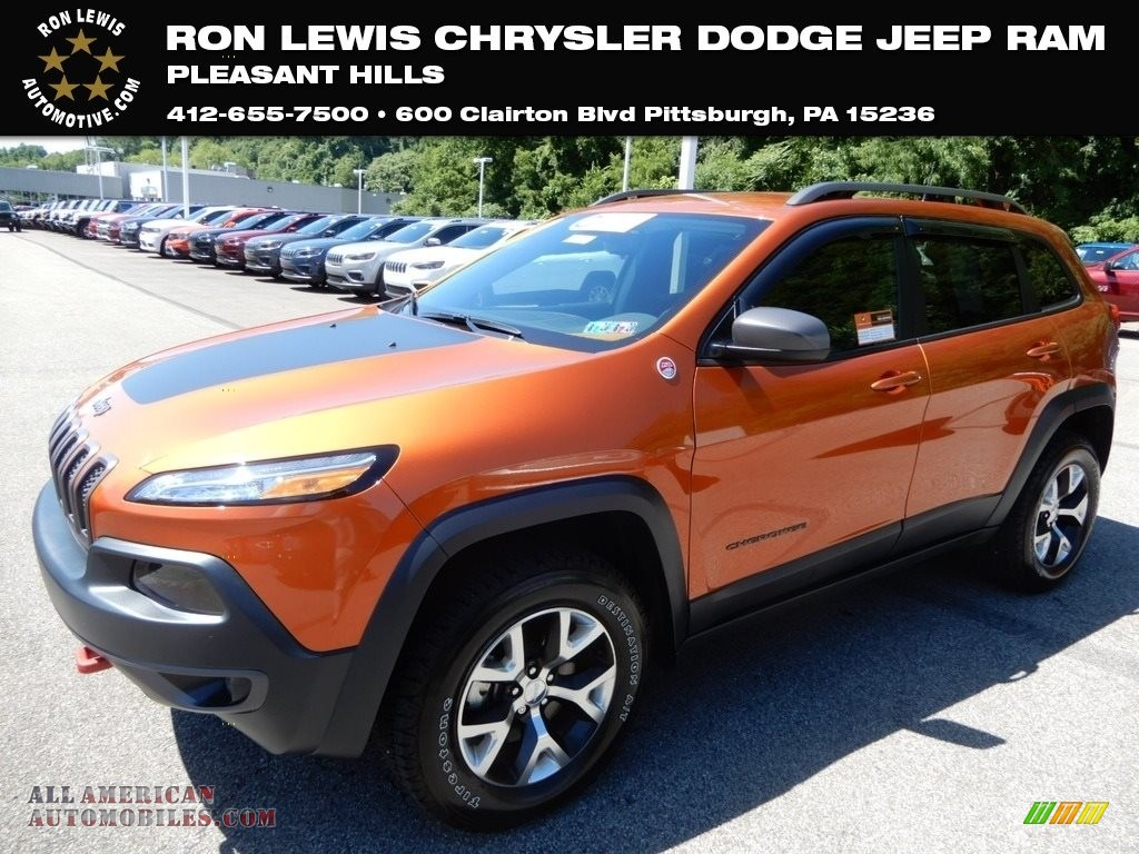 2016 Cherokee Trailhawk 4x4 - Mango Tango Pearl / Black photo #1