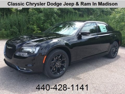Gloss Black 2019 Chrysler 300 S AWD
