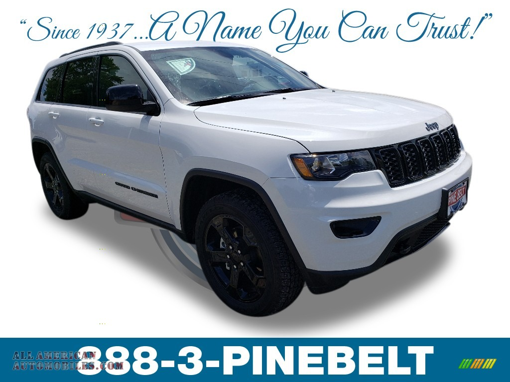 2019 Grand Cherokee Laredo 4x4 - Bright White / Black photo #1