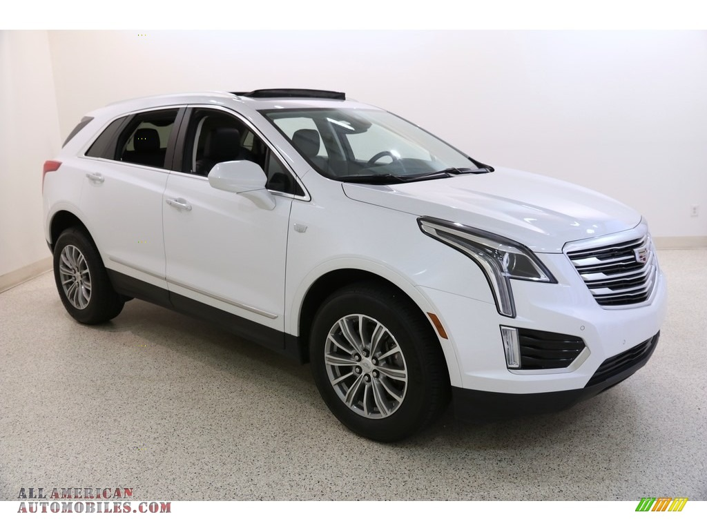 2017 XT5 Luxury - Crystal White Tricoat / Jet Black photo #1