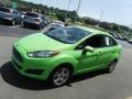 Ford Fiesta SE Sedan Green Envy photo #5