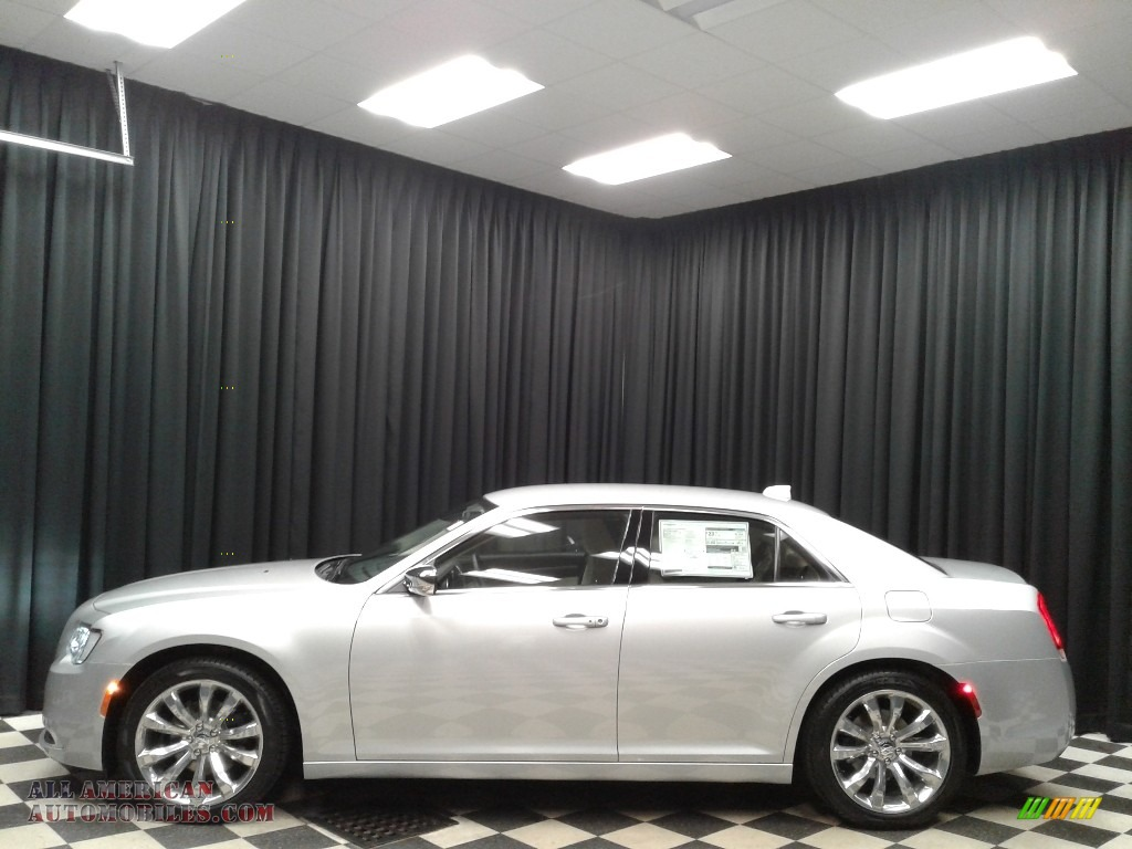 Silver Mist / Linen/Black Chrysler 300 Touring