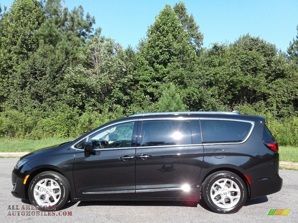 2018 Pacifica Touring L - Brilliant Black Crystal Pearl / Cognac/Alloy/Toffee photo #1