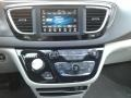 Chrysler Pacifica Touring L Brilliant Black Crystal Pearl photo #24
