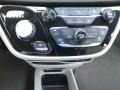 Chrysler Pacifica Touring L Brilliant Black Crystal Pearl photo #31