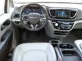 Chrysler Pacifica Touring L Brilliant Black Crystal Pearl photo #35