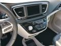 Chrysler Pacifica Touring L Granite Crystal Metallic photo #10