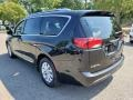 Chrysler Pacifica Touring L Brilliant Black Crystal Pearl photo #4