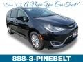 Chrysler Pacifica Touring L Brilliant Black Crystal Pearl photo #1