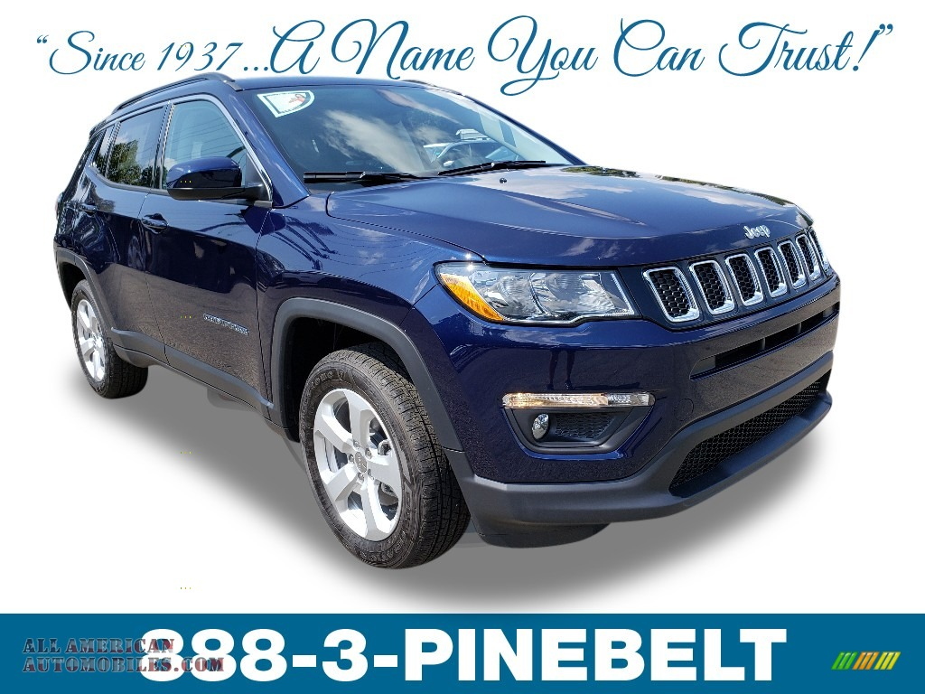 Jazz Blue Pearl / Black Jeep Compass Latitude 4x4