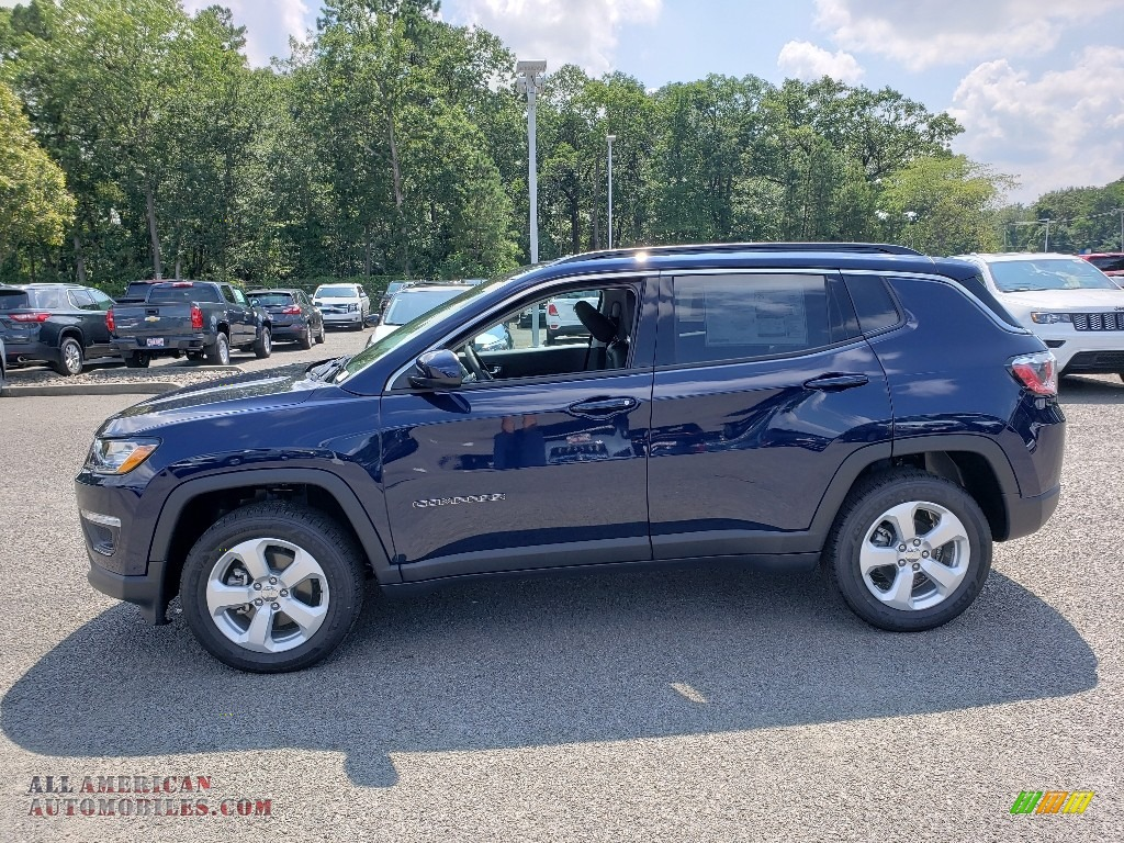 2019 Compass Latitude 4x4 - Jazz Blue Pearl / Black photo #3