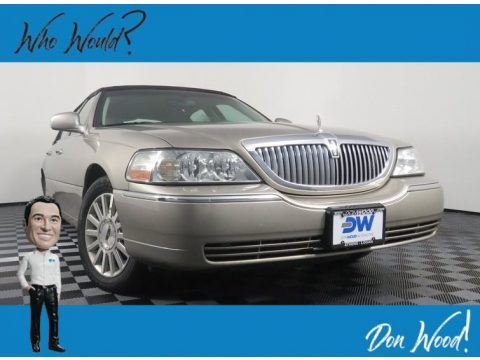 Light Parchment Gold 2003 Lincoln Town Car Executive