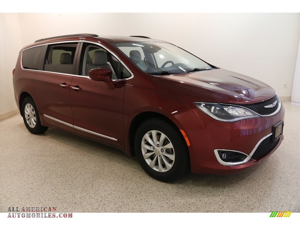 2017 Pacifica Touring L - Velvet Red Pearl / Black/Alloy photo #1