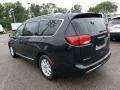 Chrysler Pacifica Limited Brilliant Black Crystal Pearl photo #4