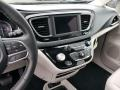 Chrysler Pacifica Limited Brilliant Black Crystal Pearl photo #10