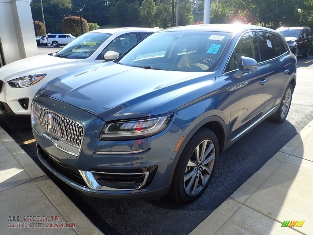 Blue Diamond / Ebony Lincoln Nautilus Select AWD