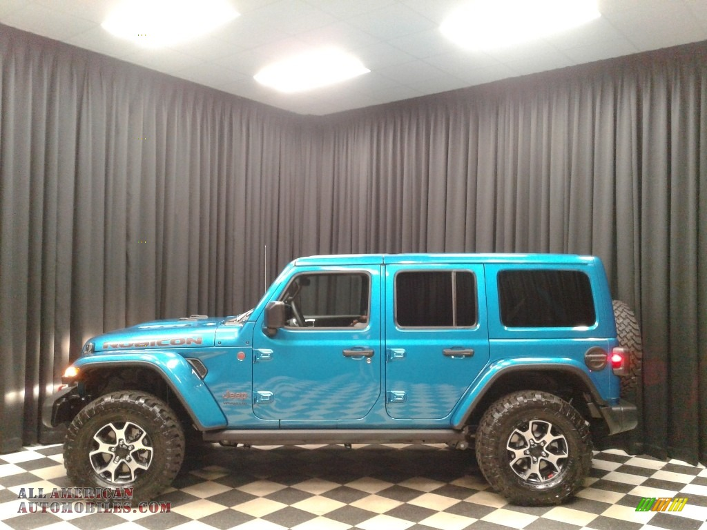 Bikini Pearl / Black Jeep Wrangler Unlimited Rubicon 4x4