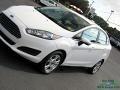 Ford Fiesta SE Sedan Oxford White photo #27