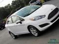 Ford Fiesta SE Sedan Oxford White photo #28