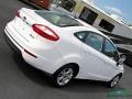 Ford Fiesta SE Sedan Oxford White photo #29