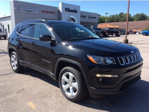 Diamond Black Crystal Pearl 2019 Jeep Compass Latitude 4x4