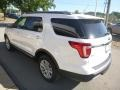 Ford Explorer XLT 4WD White Platinum photo #7