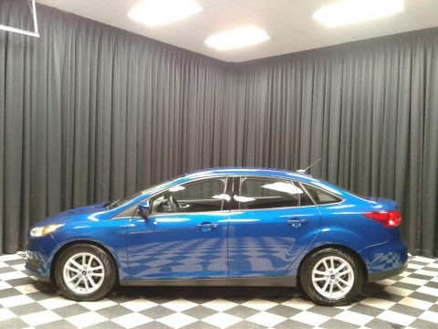 Lightning Blue 2018 Ford Focus SE Sedan