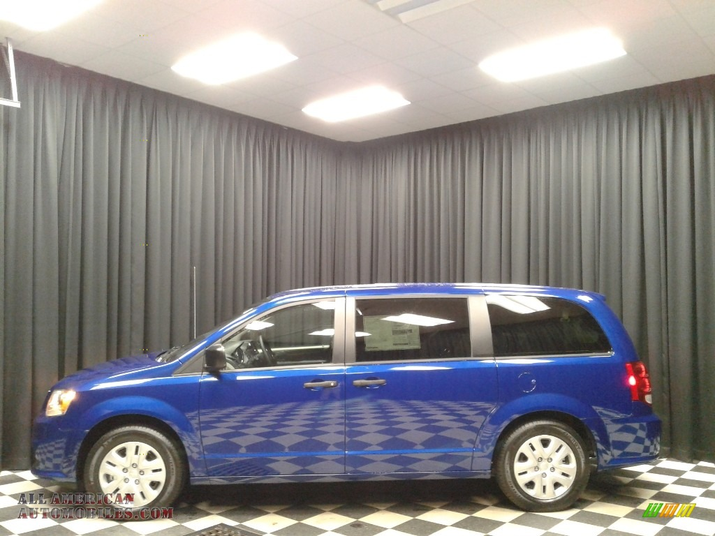 2019 Grand Caravan SE - Indigo Blue / Black/Light Graystone photo #1
