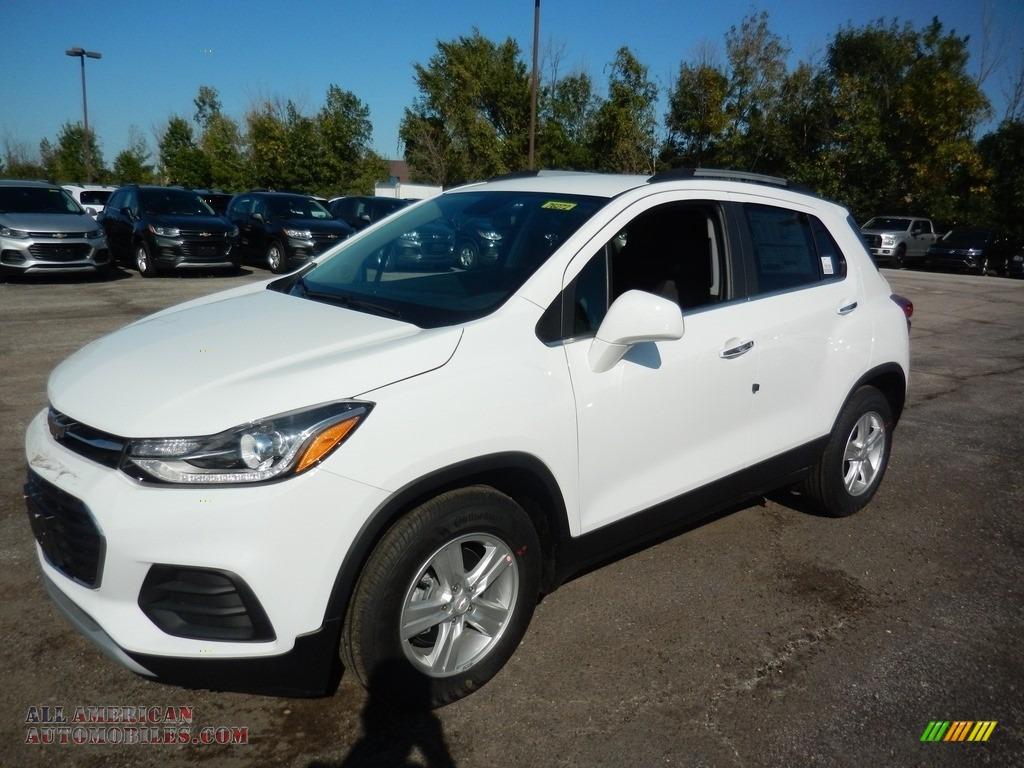Summit White / Jet Black Chevrolet Trax LT