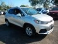 Chevrolet Trax LT Silver Ice Metallic photo #3