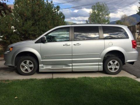 Bright Silver Metallic 2012 Dodge Grand Caravan SXT