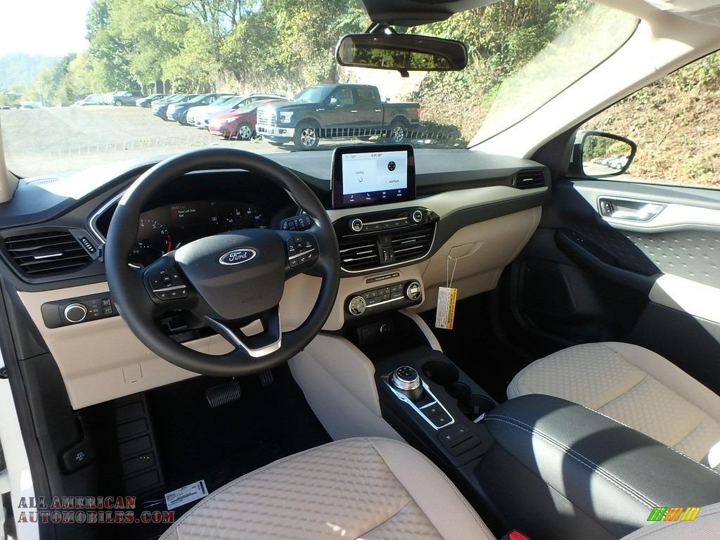 2020 Escape SE 4WD - Star White Metallic Tri-Coat / Sandstone photo #15