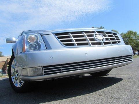 Radiant Silver Metallic 2011 Cadillac DTS Premium