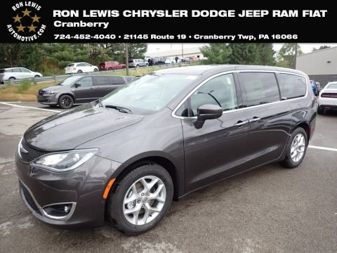 Granite Crystal Metallic 2020 Chrysler Pacifica Touring