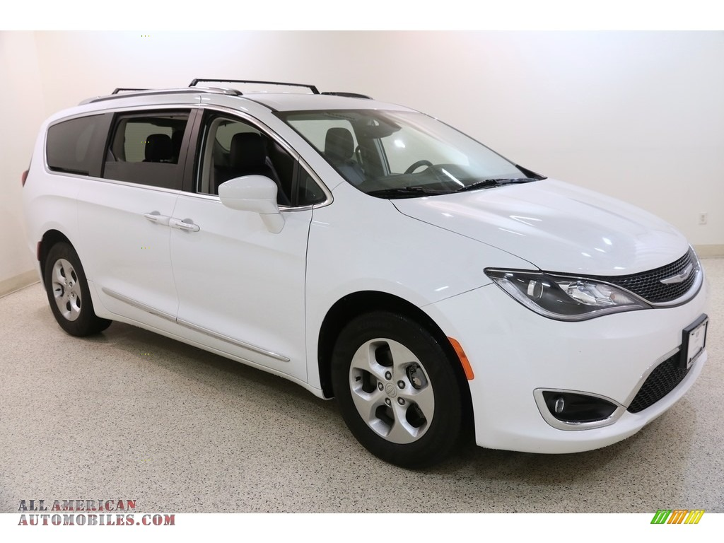 2017 Pacifica Touring L Plus - Bright White / Black/Alloy photo #1