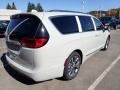 Chrysler Pacifica Limited Luxury White Pearl photo #4