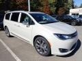 Chrysler Pacifica Limited Luxury White Pearl photo #6