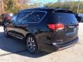 Chrysler Pacifica Limited Brilliant Black Crystal Pearl photo #7