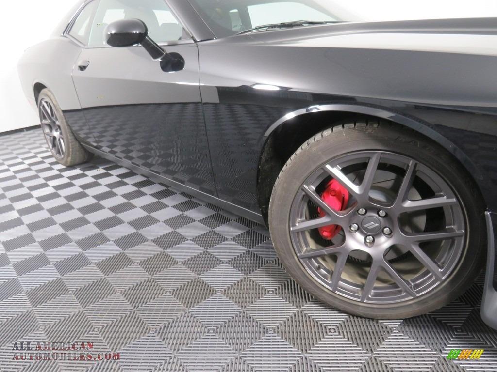 2019 Challenger GT - Pitch Black / Black photo #6