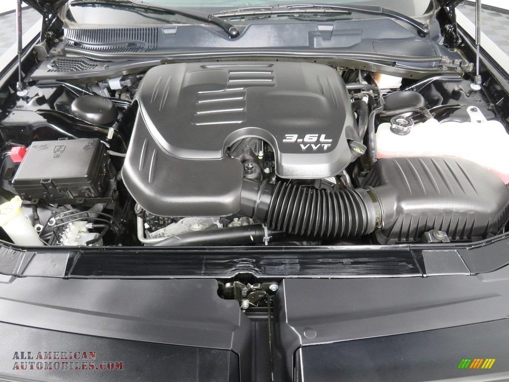 2019 Challenger GT - Pitch Black / Black photo #9