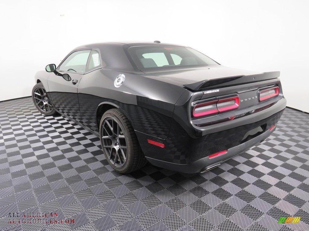2019 Challenger GT - Pitch Black / Black photo #13