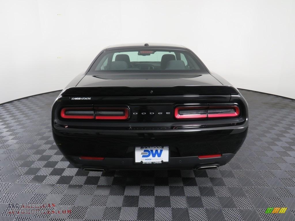 2019 Challenger GT - Pitch Black / Black photo #14