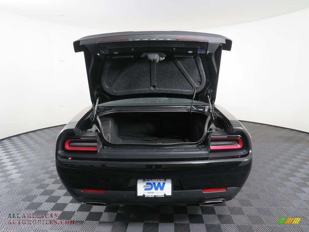 2019 Challenger GT - Pitch Black / Black photo #15