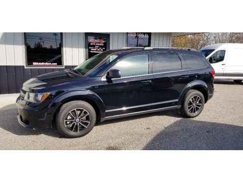 Pitch Black 2018 Dodge Journey SE